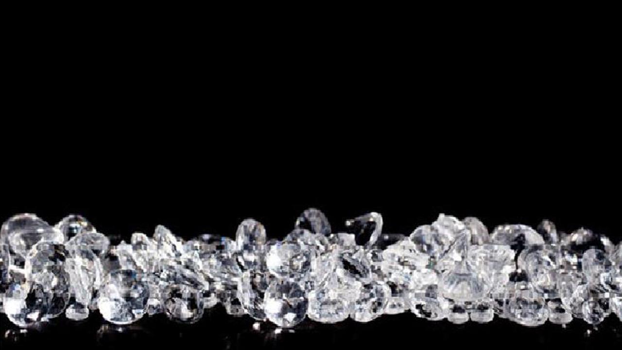 تبدیل نانولوله کربنی به «الـیـاف الـماس» با تابش لیزر