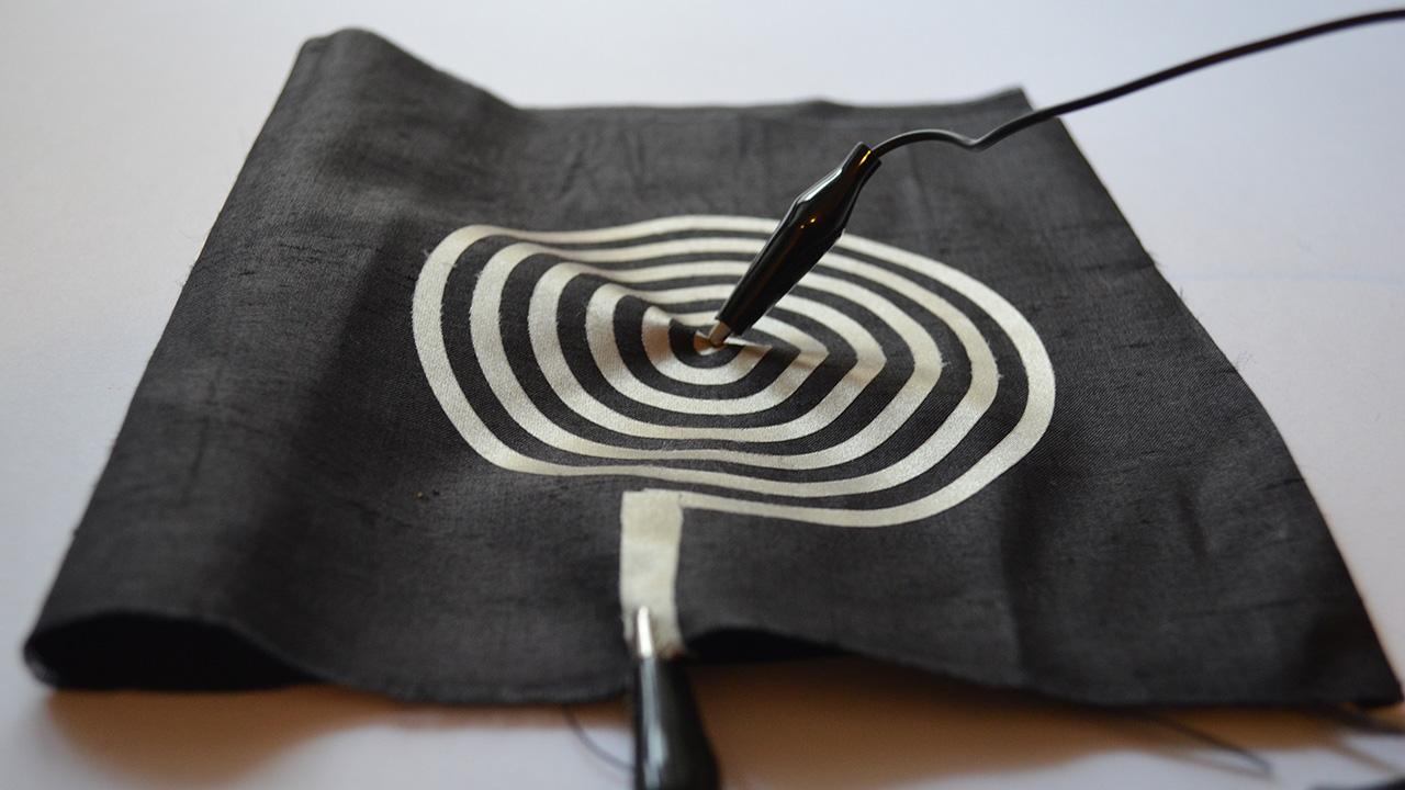 منسوجات رسانا با قابلیت جایگزینی به جای سیم و کابل