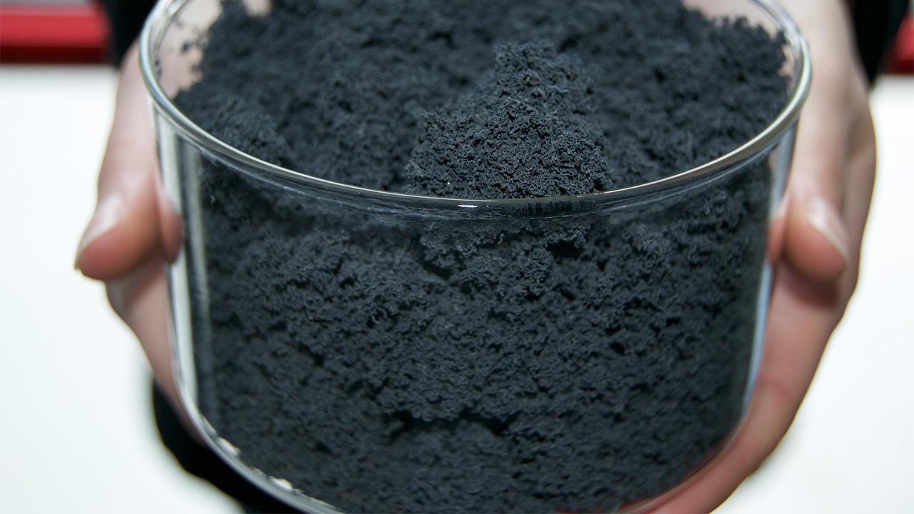 دومین قرارداد برای استفاده از جاذب نانو برای زدایش نفت از محیطزیست
